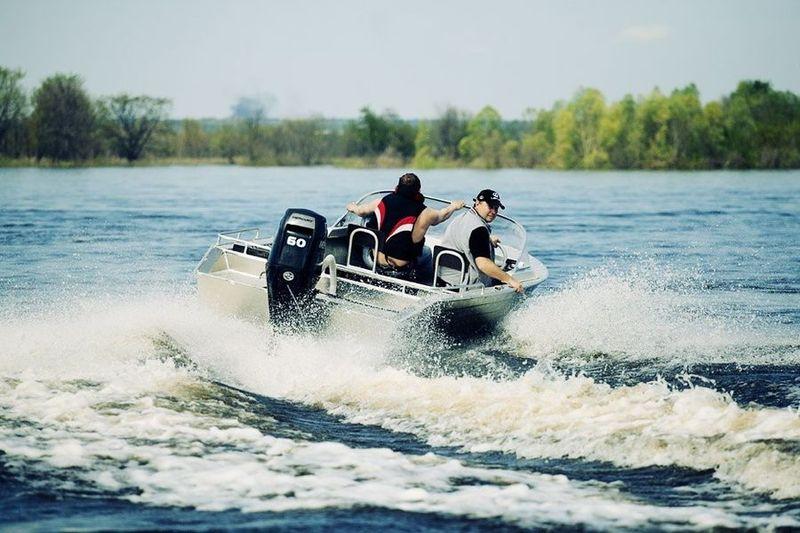 лодка бестер 490